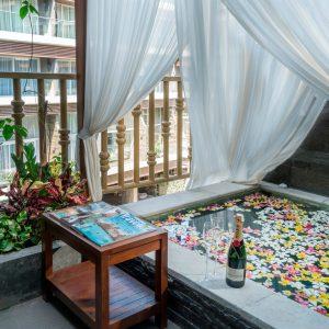 honeymoon-suite-2500×1333